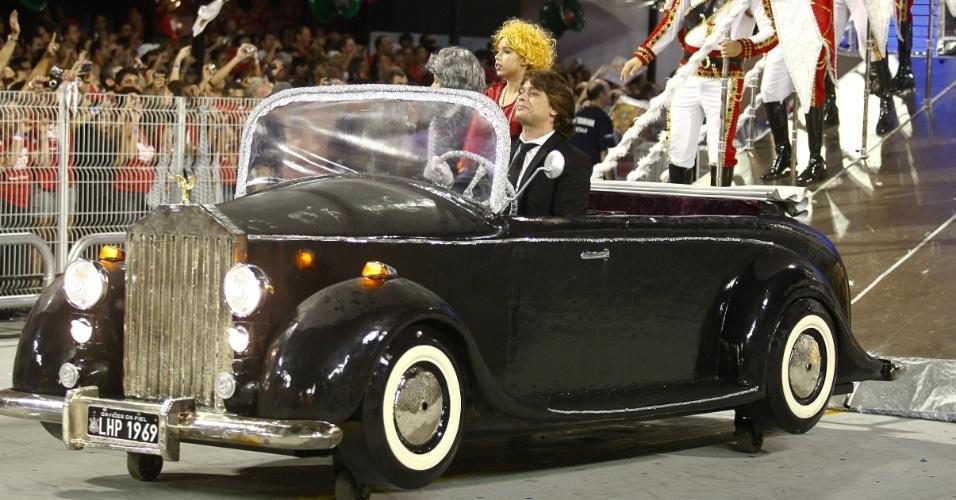 O ator Fábio Assunção é o motorista que simboliza a chegada do ex-presidente a Brasília (19/2/2012)