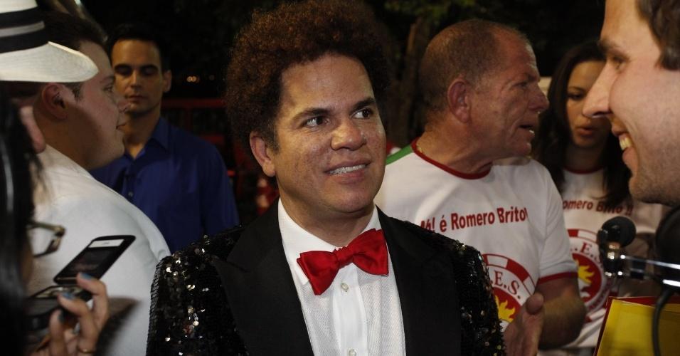 Romero Britto na concentração da Renascer de Jacarepaguá na Sapucaí, no Rio. O artista será homenageado pela escola (19/2/12)