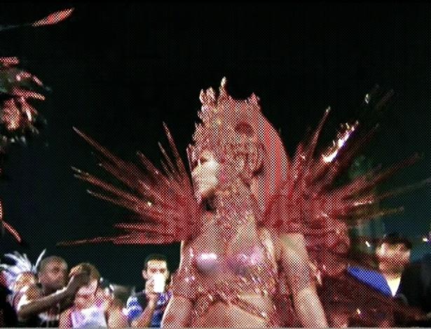 Sabrina Sato se prepara para desfile da Gaviões da Fiel (19/2/2012)