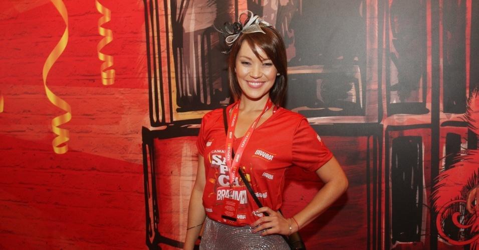 A apresentadora Geovanna Tominaga