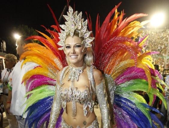 A rainha da bateria da Mocidade Independente, Antonia Fontenelle, mostra sua fantasia (20/2/2012)