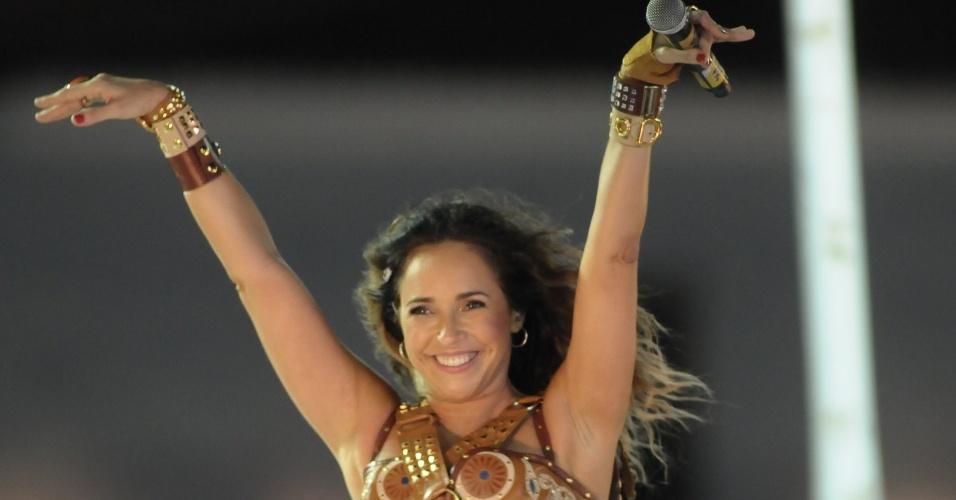 Daniela Mercury faz última apresentação no Carnaval de 2012 para os foliões do bloco Coruja, em Salvador (21/2/12)