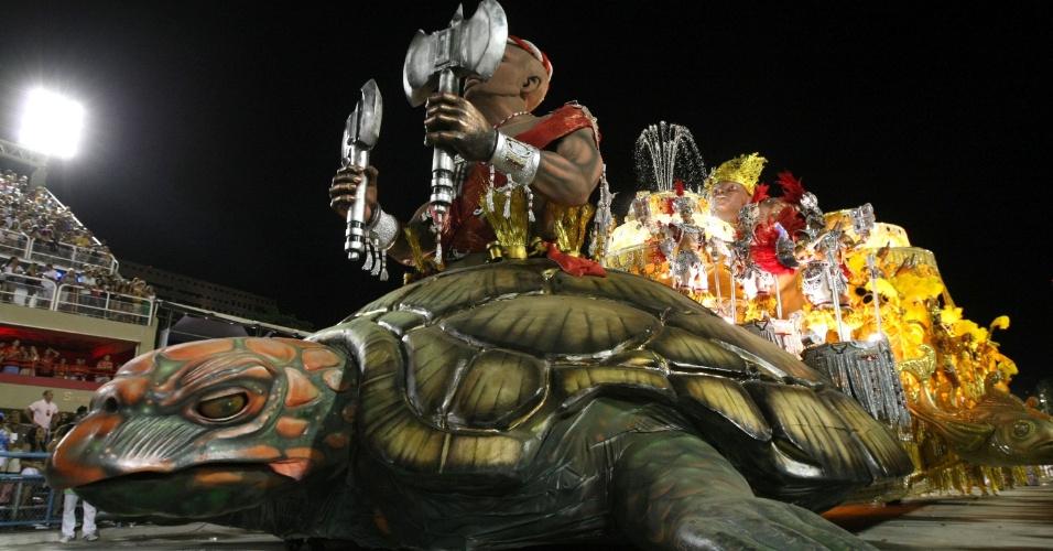 Desfile da Imperatriz Leopoldinense na Sapucaí, no Rio (19/2/12)