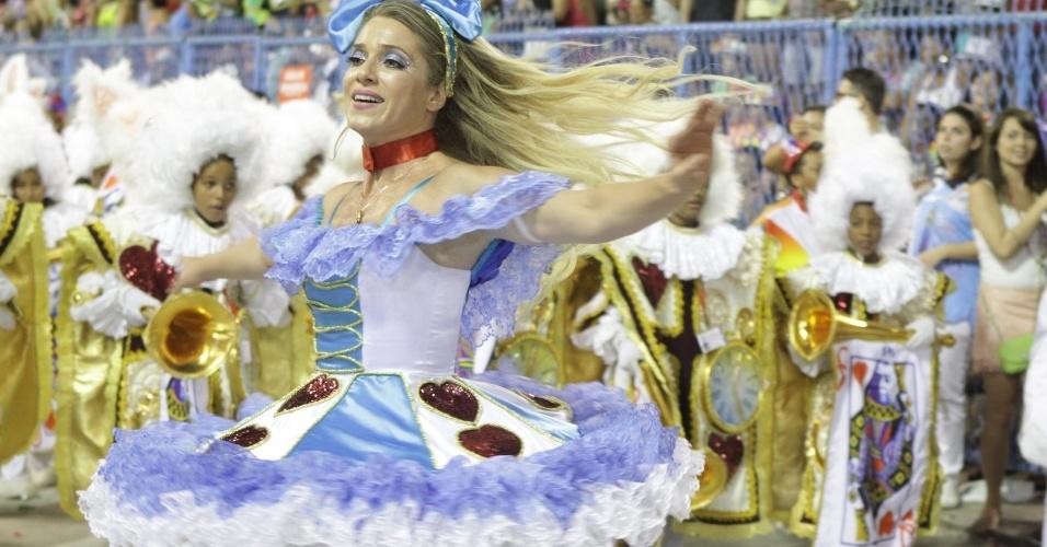 Letícia Spiller brilha no desfile da União da Ilha do Governador (20/2/12)