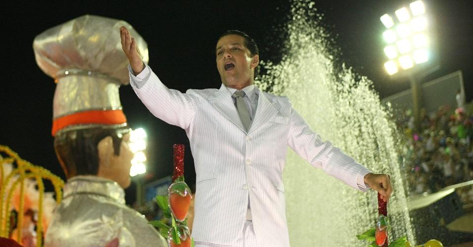 O ator Marcelo Serrado, que atualmente interpreta o Crô em