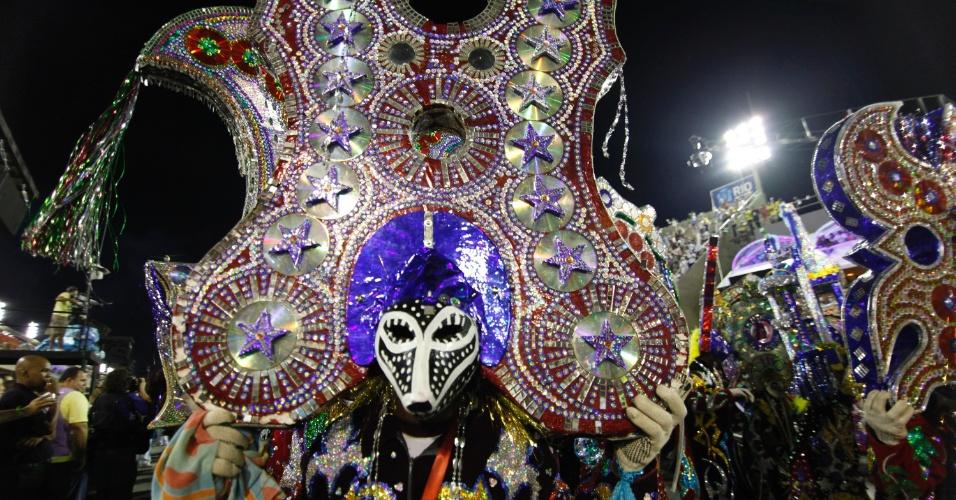 Passista da Beija-Flor de Nilópolis apresenta enredo sobre São Luis do Maranhão (20/2/2012)