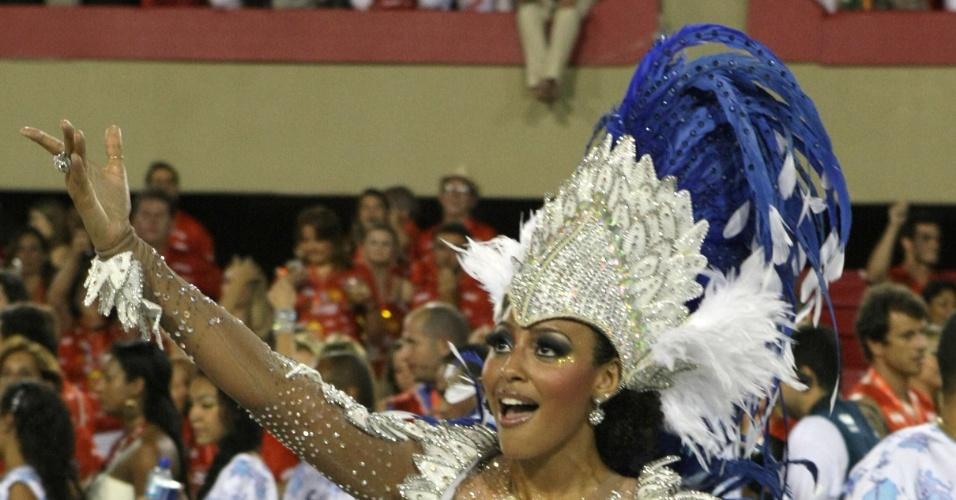Sheron Menezzes samba durante desfile da Portela na Sapucaí, no primeiro dia de desfiles das escolas do grupo A do Rio de Janeiro(19/2/12)