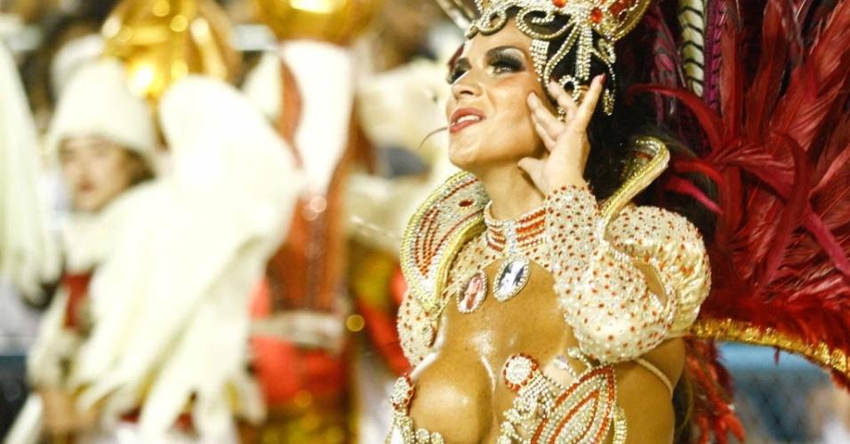Solange Gomes é destaque no desfile da Porto da Pedra (20/2/2012)