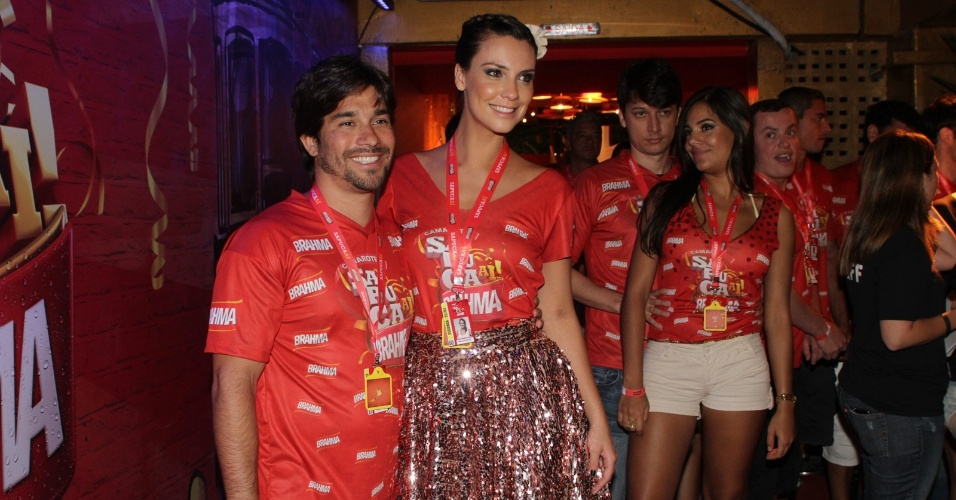 A atriz Camila Rodrigues e o namorado, Roberto Costa