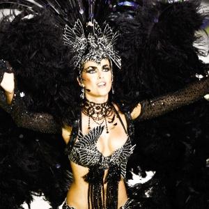 A modelo Ana Hickmann desfila como destaque na Grande Rio (21/2/2012) - Joel Silva/Folhapress