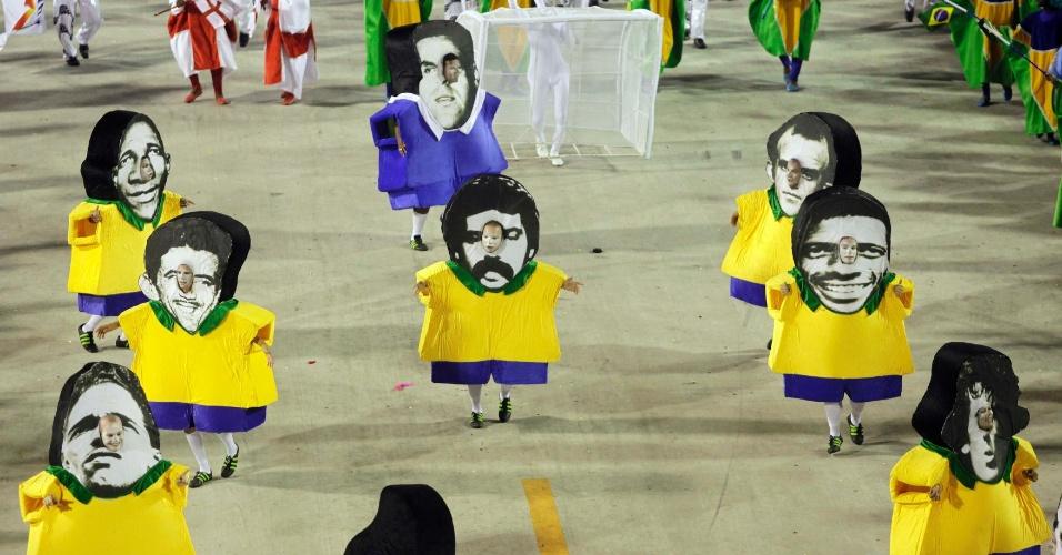 Ala Football Sport Club é no Maraca fez homenagem a jogadores de futebol (20/2/12)