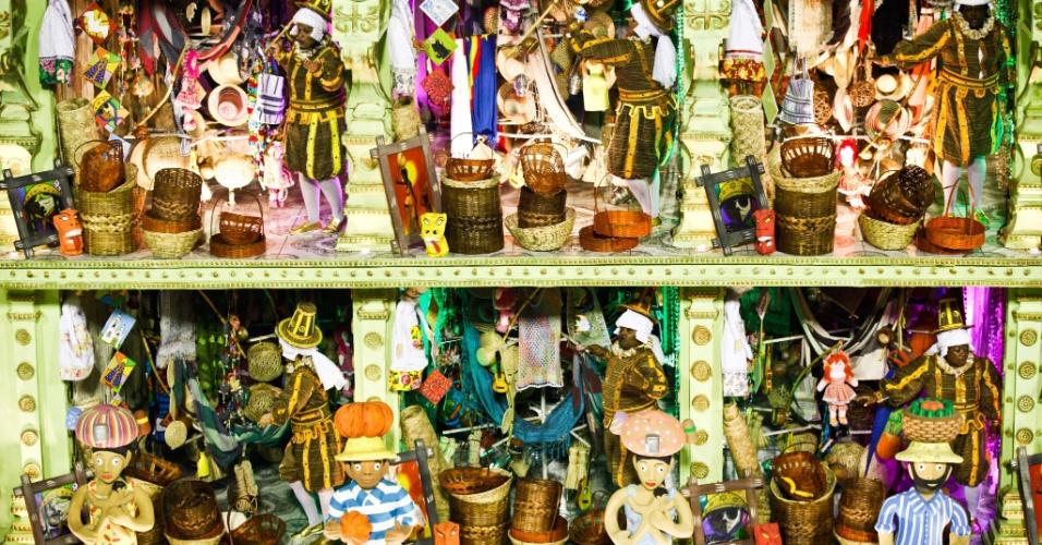 Alegoria com riqueza de detalhes mostra Mercado de São José do Recife e homenageia Mestre Vitalino, ceramista (21/2/2012)
