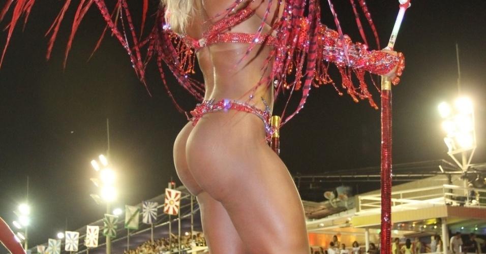 Detalhe da fantasia de Valesca Popozuda, um dos destaques do desfile da Mangueira (21/2/2012)