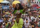 Bonecos gigantes saem pelas ruas de Olinda; o de Luiz Gonzaga