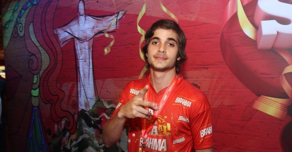 Fiuk curte o segundo dia de desfile das escolas do Rio