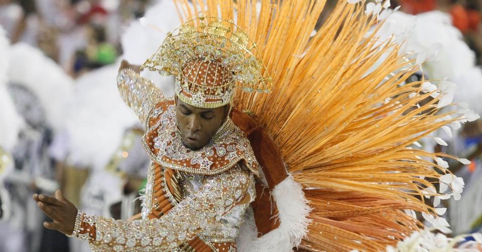 Mestre sala desfila enredo sobre Luiz Gonzaga na Sapucaí (21/2/2012)