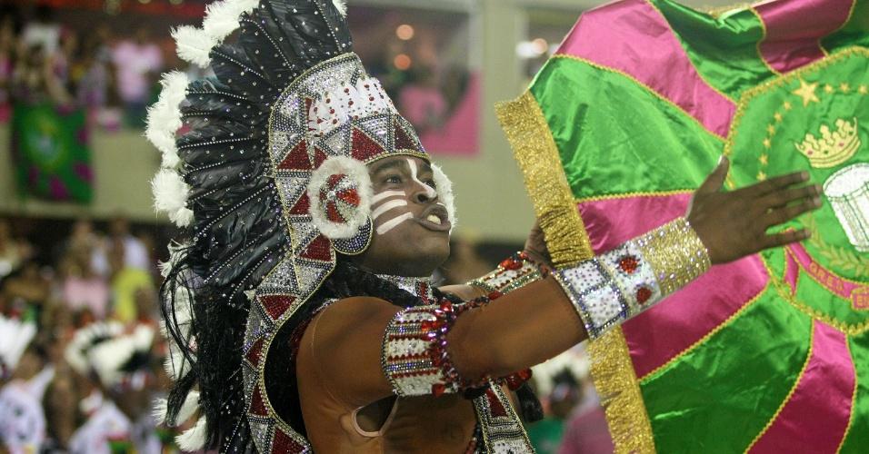 Mestre sala usa cocar para representar índio símbolo do Cacique de Ramos (21/2/2012)