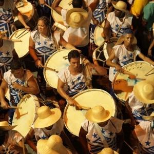Veja imagens da Noite dos Tambores Silenciosos em Recife (Foto: )