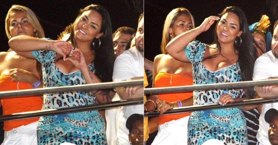 A Mulher Melancia curte o Carnaval na capital baiana durante apresentação do Parangolé no circuito Barra-Ondina (21/2/12)