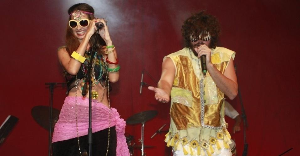 Banda Letuce e Quinho se apresentam no baile