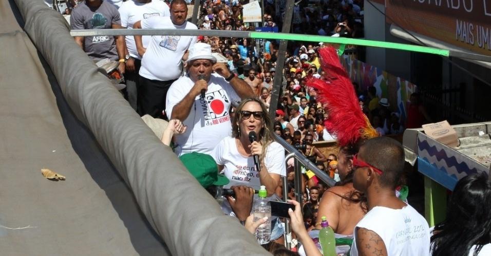 Claudia Leitte canta ao lado de Ivete, Margareth Menezes e Fafá de Belém no último dia de Carnaval em Salvador, Bahia (22/2/12)