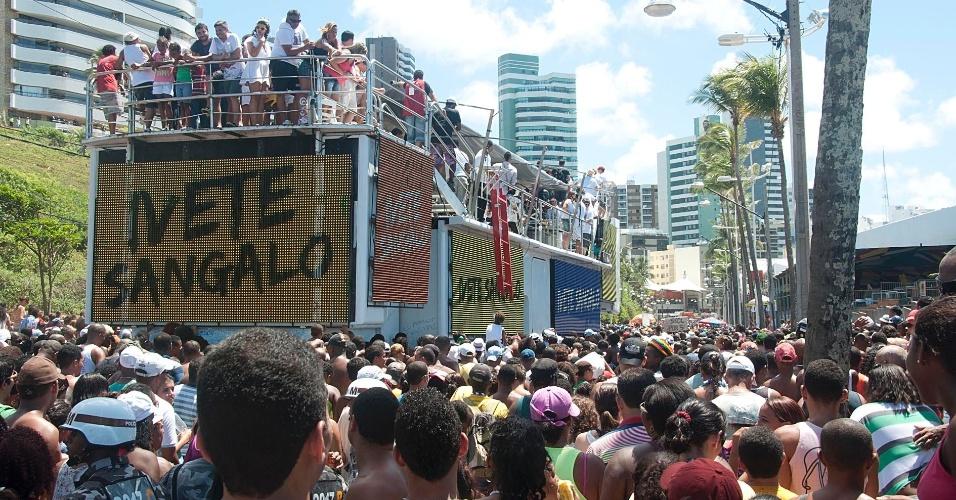 Claudia Leitte, Ivete Sangalo, Fafá de Belém e Netinho agitam foliões no último dia de Carnaval em Salvador, Bahia (22/2/12)