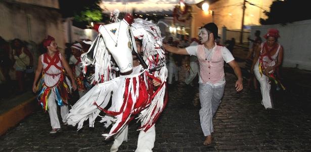 Destaque da Quarta-feira de Cinzas, encontro de Bois em Olinda seguiu até madrugada; veja fotos (Foto: )