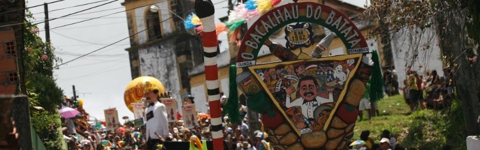 OLINDA: Bloco Bacalhau do Batata agita <br>foliões pelas ruas da cidade. (Foto: Geyson Magno/UOL)