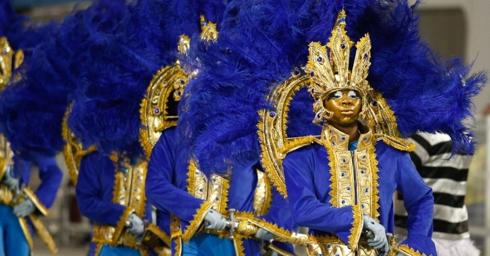 Acadêmicos do Tatuapé participa do desfile das campeãs, no Anhembi, em São Paulo. A escola foi vice-campeã do grupo de acesso e no ano que vem desfila no grupo especial (24/2/12)