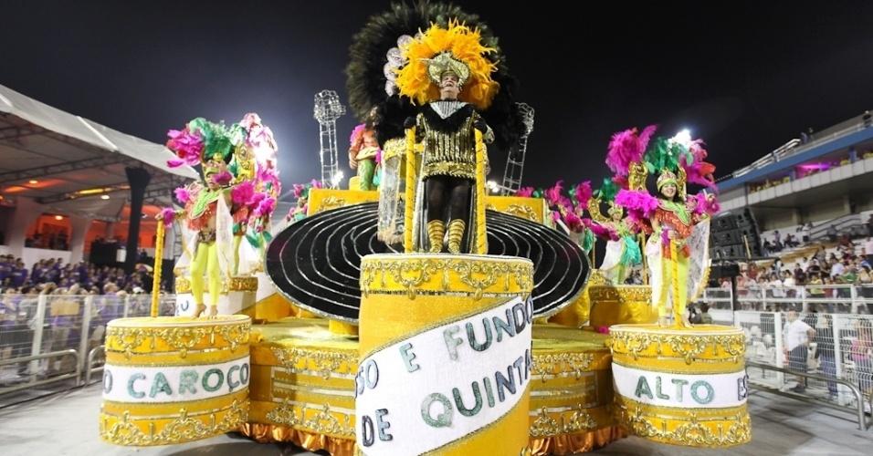Carro alegórico da Acadêmicos do Tatuapé no desfile das campeãs, no Anhembi, em São Paulo. A escola foi vice-campeã do grupo de acesso e no ano que vem desfila no grupo especial (24/2/12)
