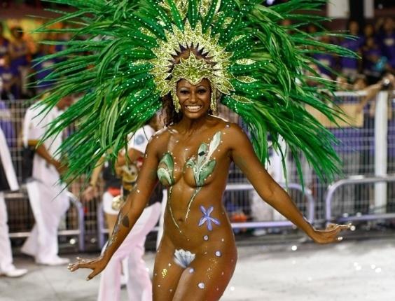 Destaque de chão da Rosas de Ouro durante desfile das campeãs de SP (25/2/2012)